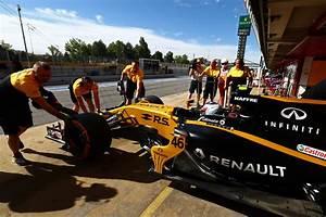 Renault F1 Viry Chatillon : infiniti et renault en f1 visite viry chatillon le billet auto reportage ~ Medecine-chirurgie-esthetiques.com Avis de Voitures