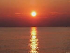 5 Beautiful Sunset Wallpapers for Desktop