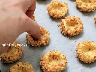 Use your favorite jam to fill them, or use different flavors for a nutritional information. Resep Peanut Choco Thumbprint Cookies renyah+step by step oleh Tintin Rayner | Resep di 2020 ...