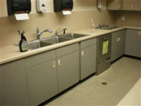 federal center south daycare kitchen mold  moisture