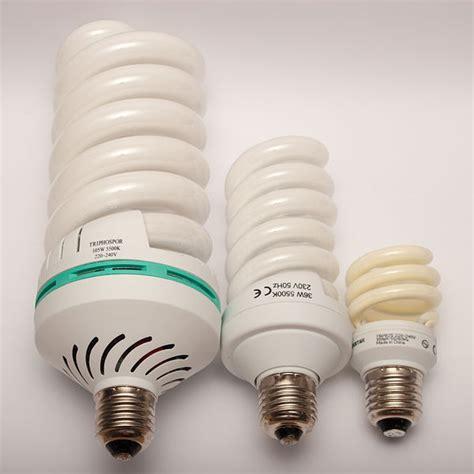 fluorescent light bulbs sizes t5 vs cfls fluorescent grow light showdown grow easy
