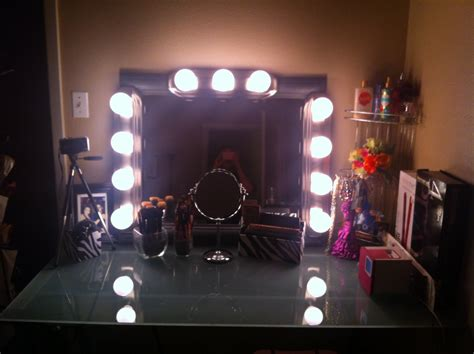 glass top bedroom makeup vanity table with lighted mirror