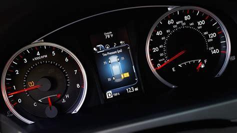 toyota camry hybrid powertrain safety interior