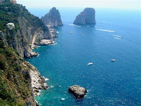 Isle Of Capri Travel Across Italy