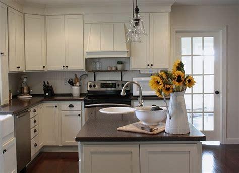 benjamin moore linen white cabinets benjamin moore linen white kitchen cabinets car interior 324 | 01df8921d48d29978c3ceffb3099bd4c