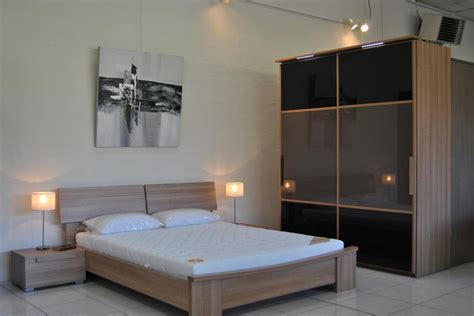 mobilier de bureau discount cuisine notre showroom francilien de mobilier de bureau