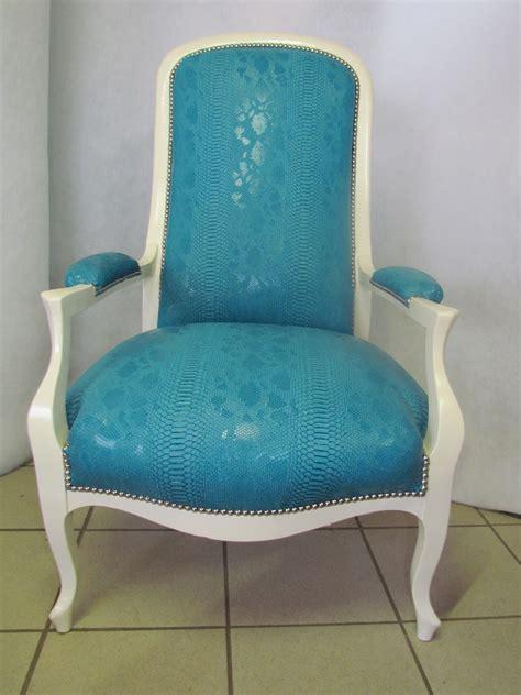 canapé en tissu fauteuil voltaire atelier luxisis