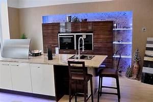 Küche Mit Integriertem Tisch : k cheninsel landhausstil modern ~ Bigdaddyawards.com Haus und Dekorationen
