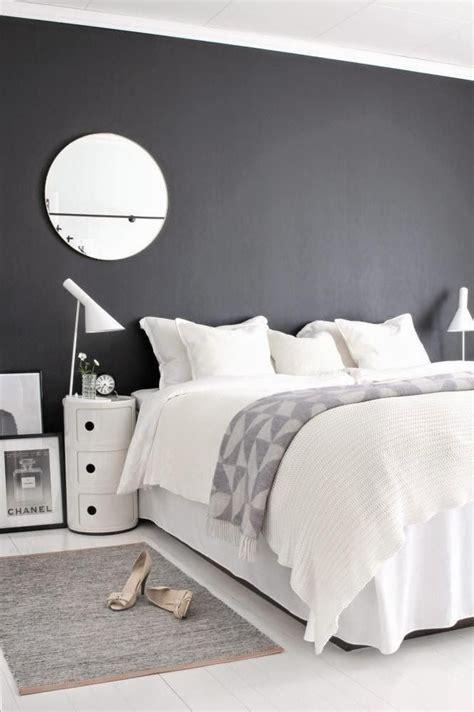 deco chambre adulte gris et blanc intérieur scandinave noir et blanc gris linges blancs