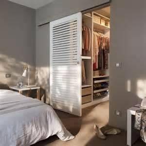 Le De Bureau Castorama by 25 Best Ideas About Porte De Placard Coulissante On