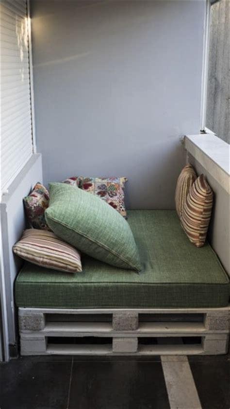 canape exterieur en palette canapé d angle en palettes nos conseils pour bien le