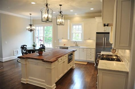 what is an island kitchen 1000 images about white kitchens on islands 8943