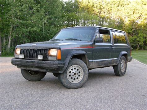 original jeep cherokee pushittillitdies 1990 jeep cherokeesport utility 2d specs