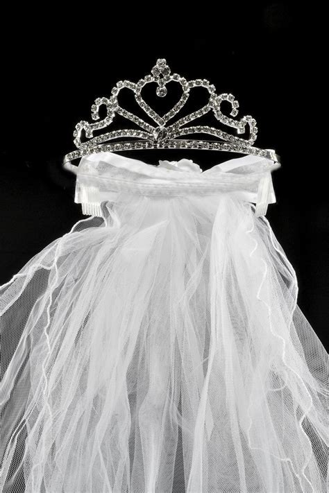 Veils With Tiaras Attached
