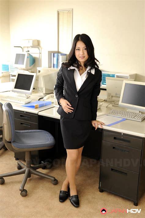 Japan Hdv Satomi Suzuki Yellow Japanese Celebtiger Sex Hd Pics