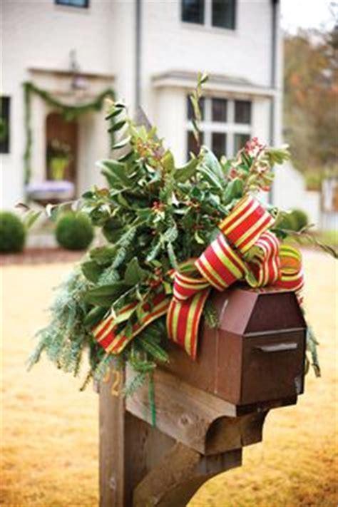 neighborhood entrance christmas decorations decoration neighborhood entrance welcome folks