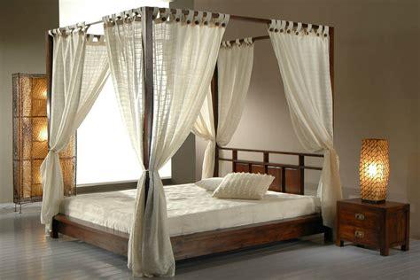 letti a baldacchino in legno prezzi letti in legno a baldacchino per dormire da re vivere zen