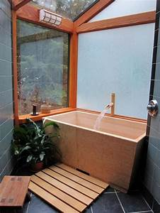 Wooden Soaking Tub With Japanese Style In Small Bathroom