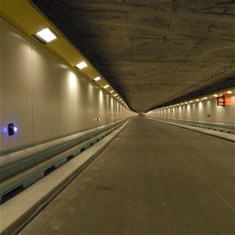 vieux port tunnel marseille frankrike norge norsk