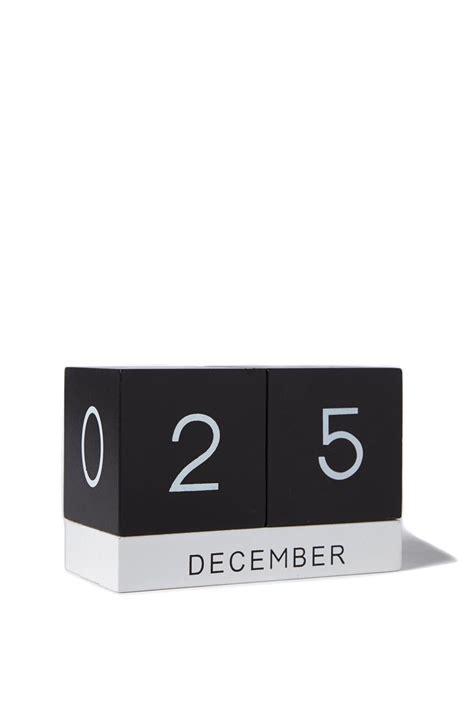 Typo Kalender 2016 by Build Those Blocks Typo S Building Blocks Calendar Is A