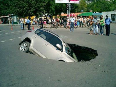 Funny Image Collection: Funny Car Accidents Pictures in ...