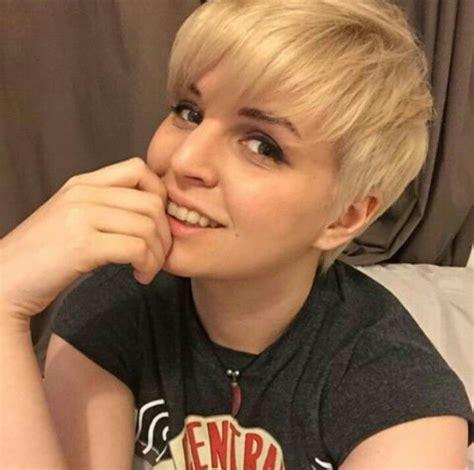 emma blackery youtubers hair cuts hair inspo hair