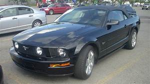 File:'05-'09 Ford Mustang GT Convertible.JPG - Wikimedia Commons