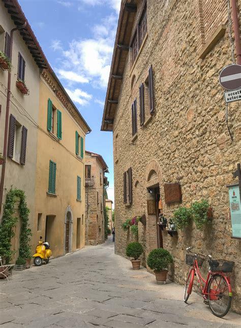 pienza italy     charming towns  tuscany