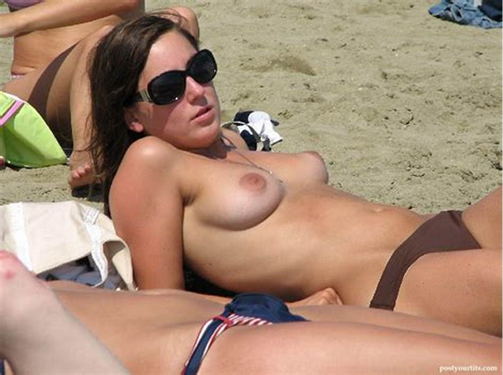 #Naked #Amateur #Beach #Tits