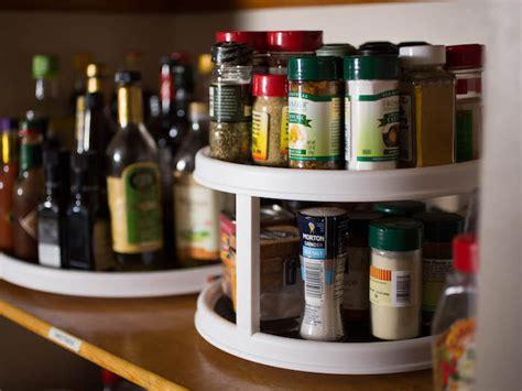 etagere  epices pimentez la deco de votre cuisine
