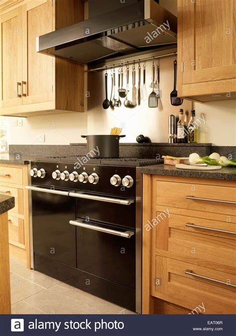 range oven  extractor fan  kitchen  wood fitted