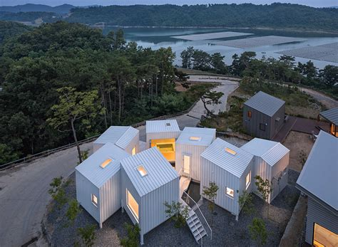 Younghan Chung Conceives Korea Residence As A Series Of Floating Cubes