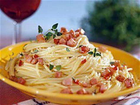 recette de p 226 tes 224 la carbonara recette italienne