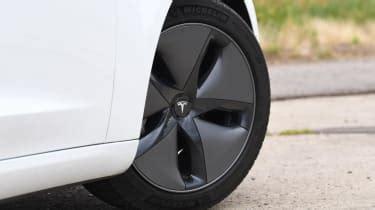 42+ Tesla 3 Wheels Uk Background