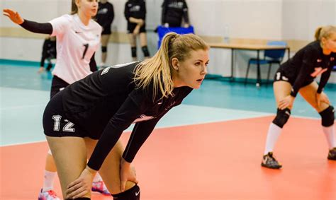 Talantīgā latviešu volejboliste Levinska nākamajā sezonā ...