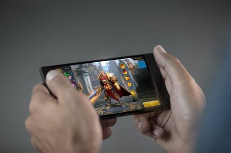 Razer Phone Vs Galaxy Note 8 Can New Blood Topple The