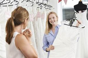 Should You Buy or Rent Your Wedding Dress? We Help You Decide