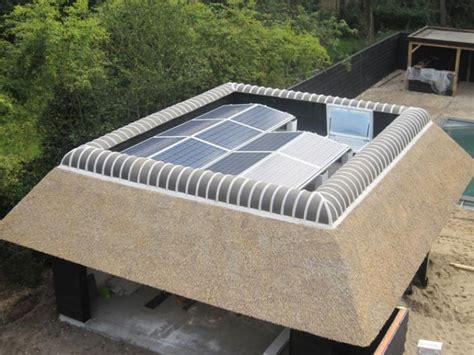 rieten dak zink zonnepaneel vakfederatie rietdekkers