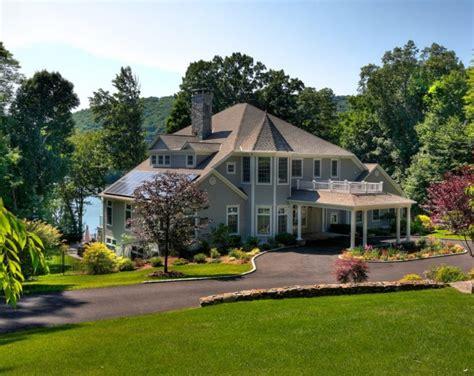 Fassadenfarbe Beispiele fassadenfarbe grau fassadenfarbe on modern houses
