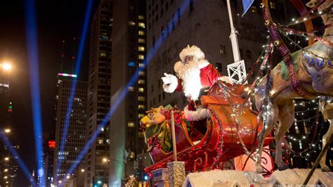 magnificent lights parade 2017 magnificent mile lights festival features a parade 39 s worth