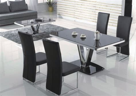 table cuisine habitat table a manger chaises table de cuisine moderne