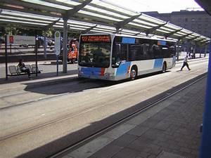 Was Ist Ein Bus : ein neuer citaro bus ist gerade an der haltestelle angekommen bus ~ Frokenaadalensverden.com Haus und Dekorationen