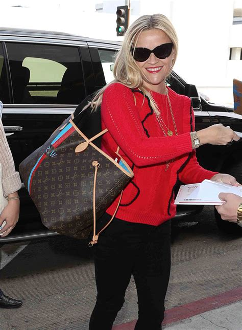 london fashion week celebs deliver   bags  chanel christopher kane  dolce