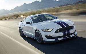 Moderne Autos : 2015 ford shelby gt350 revealed most powerful na ford performancedrive ~ Gottalentnigeria.com Avis de Voitures