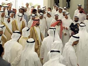 Do Not Wear National Dress Abroad, UAE Tells Citizens ...