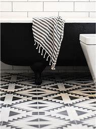 Black and White Bathroom Floor Tile Patterns