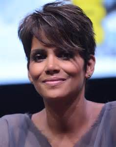 Hairstyle Pixie Haircut Halle Berry