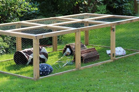 kaninchen auslauf gehege selber bauen auslauf und freilauf meerschweinchenwiese
