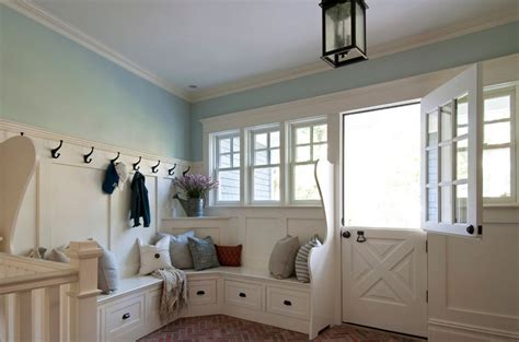 Corner Entryway Storage - when and how to use a corner bench in your home