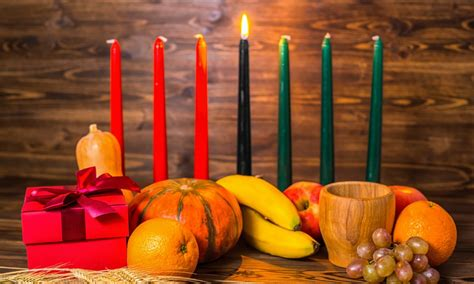 kwanzaa decorations how to decorate your home for kwanzaa overstock com